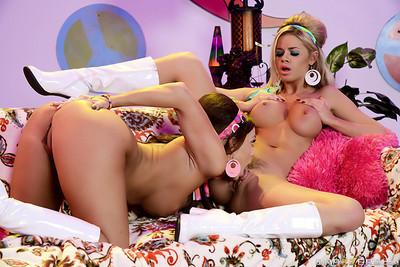 Lesbian sex fashion from sweet jessa rhodes and abigail mac
