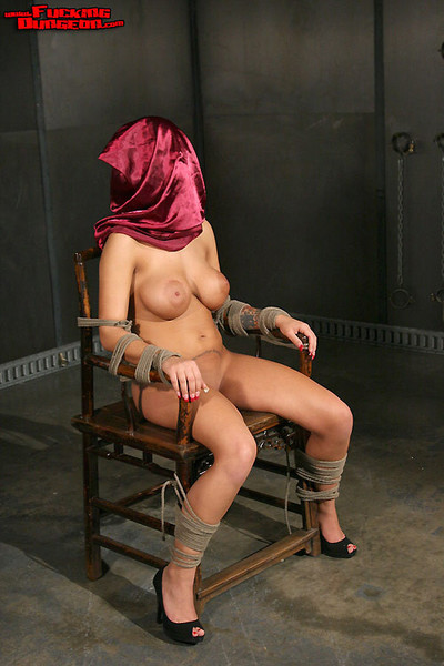 Lalin girl angelina valentine fixed with ropes bonked and required