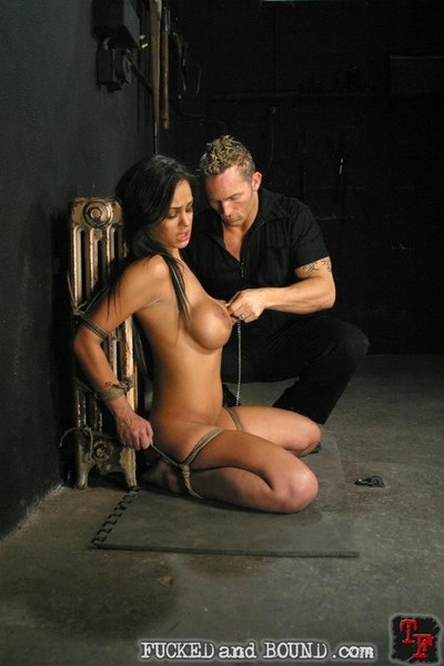 Breasty angelina valentine is rope united keen to fuck and blowjob
