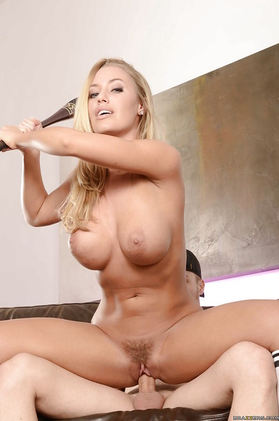 Captivating hotty Nicole Aniston gives a sensual fellatio and receives fucked