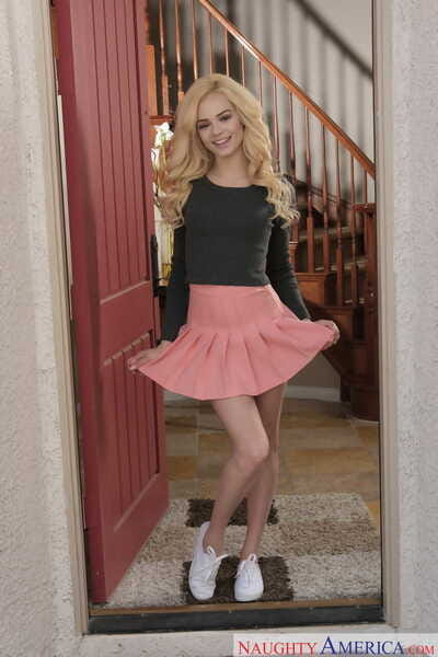 Appealing blonde teen Elsa Jean bares her diminutive tits despite the fact getting in nature