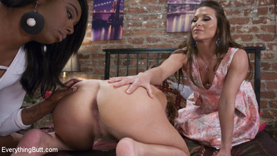 Britney amber learns how lesbian babes do anal!