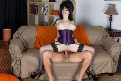 Larkin love seduces him in her sexy elvira costume