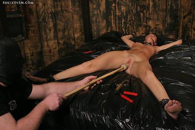 Naked eurobabe jennifer dark tied and cumming in massive orgasms