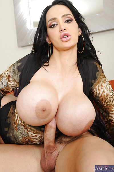 Office lady amy anderssen is having her boobies bonked with a 10-Pounder