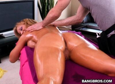 Blonde pornstar nikki sexx massaged and bonked