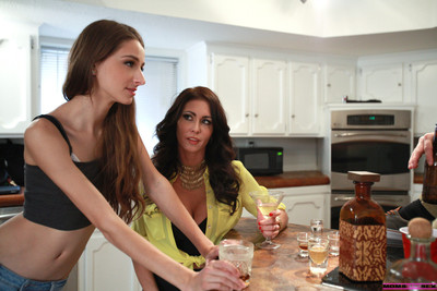 Horny milf jessica jaymes teaches her stepsons girlfriend willow