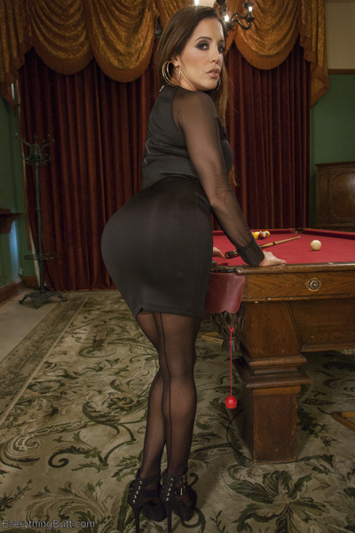 Francesca le has the finest hand at the poker table and when the queens can