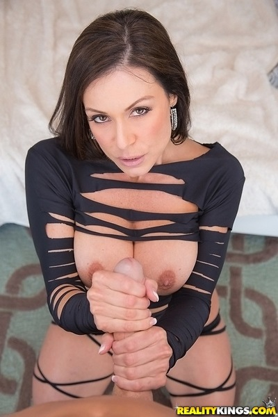 Appealing milf example Kendra Lust is orally fixating a big white cock