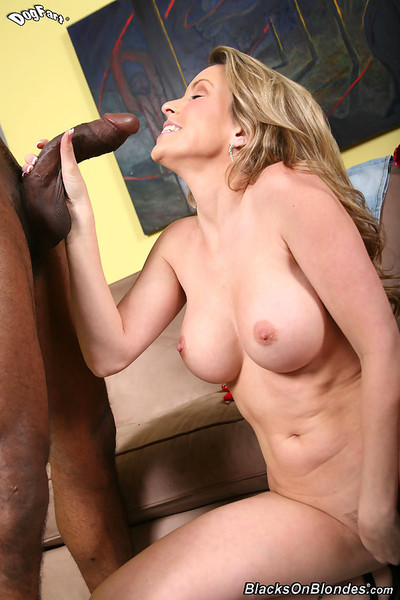 Courtney cummz acquires her pussy plowed by a black brotha