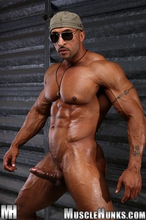 Newly arrived on LiveMuscleShow, muscleman Rico Cane was one of the original Powermen as soon as that fine physicality site was first launched. Known as Chicago s bad boy he was hot overcrowd - but remark him now! WOW! Has Rico been living in the gym, or