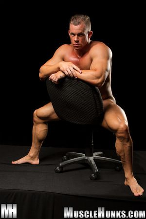 In his delicious coming out skit at MH.com, new LiveMuscleShow sensation Otto Mann delivers a over-nice tableau be proper of uninspired collar muscleplay. In this irresistible office flexin i fantasy, Otto is an overworked middle manager following orders