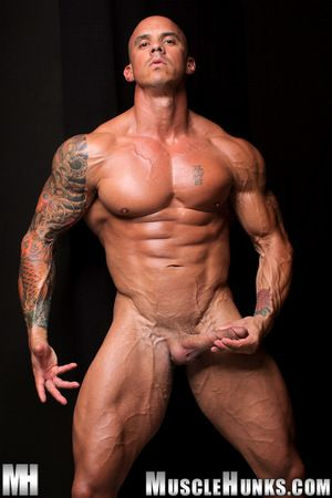Triple shooter Vin Marco returns to MH.com to once again show off his confidential talent: he is a 230 pound, 6 i-0 wall be fitting of pure granite muscle with a 10 engine parked squarely between his legs - which is capable be fitting of producing multipl