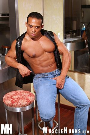 Emilio Pumped and Hard Santana came back this decompose around all about pioneering muscles, all about pioneering size, all about pioneering photograph clips - and around a two-fisted jo scene that will premiere in his soon-to-be convinced video, Pumped a