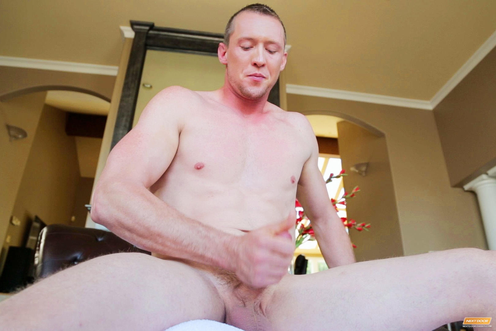 Leo Winston is a sharp-jawed, soft-spoken veritably guy, with a bit of shy streak that takes to a certain initial uncovering. Once he opens up, this Montana bred hunk reveals a thoughtful perspective and a nice, big cock to back it up. An avid outdoorsman