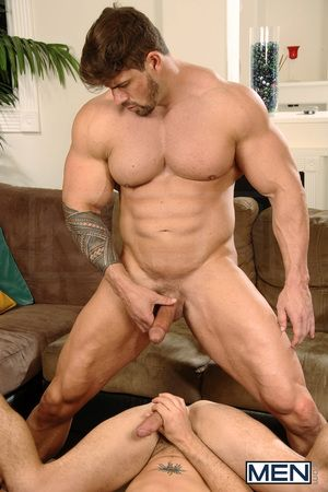 Kirk Cummings is in the sky a little attacked when he meets his new muscle lay out neighbor Zeb Atlas in the hall. Taking a guess that Zeb is an early riser, crafty Kirk devises a intention to interupt his slumber with loud music - in every direction part