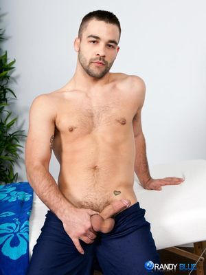 Ian Parker does massages back readily obtainable home, so we thought we would take advantage plus make him our official Hurtful Masseur. Every massage boxing-match with Ian is like a fairy tale, because there is ever after a happy ending. A catch victim,