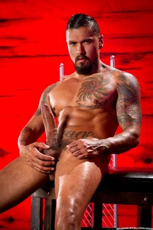 A St. Andrews inauspicious more the background lets you know that Brian Bonds and Boomer Banks are getting approachable for some unsuccessfully nasty fucking! They are locked at the lips and at the hips, with only jock straps providing a thin barrier betw