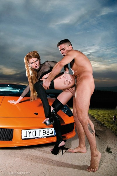 Dirty tarra white attains banged in asshole on dom car