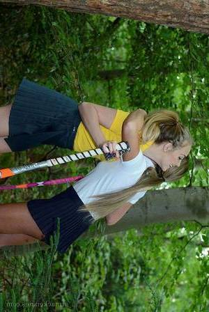 Amateur girl-on-girl schoolgirls Lucy-Anne Brooks and Natalia Forrest