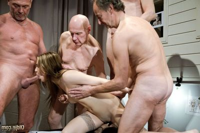 Important pharmaceutical rencounter for our five Oldje, the magic pill that will make the old dick-holders give the impression gorgeous and complete of muscles, is being presented. Old men are fascinated by the presentation but are suddenly interrupted by