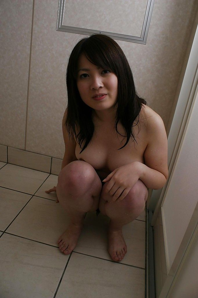 Joyous Chinese queen apropos ample chest Momo Akiyama lovely shower