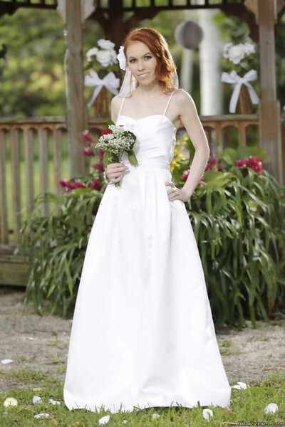 Hawt bride Dolly Adult baby stripped off off her damp wedding costume outdoors