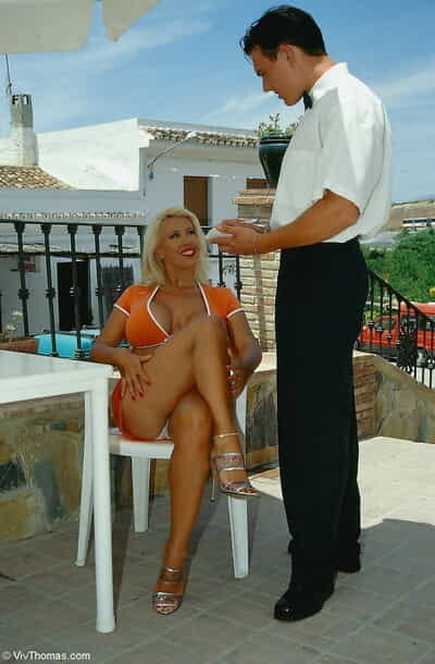 Captivating Ava Lustra seduces the waiter and accepts her feet dug