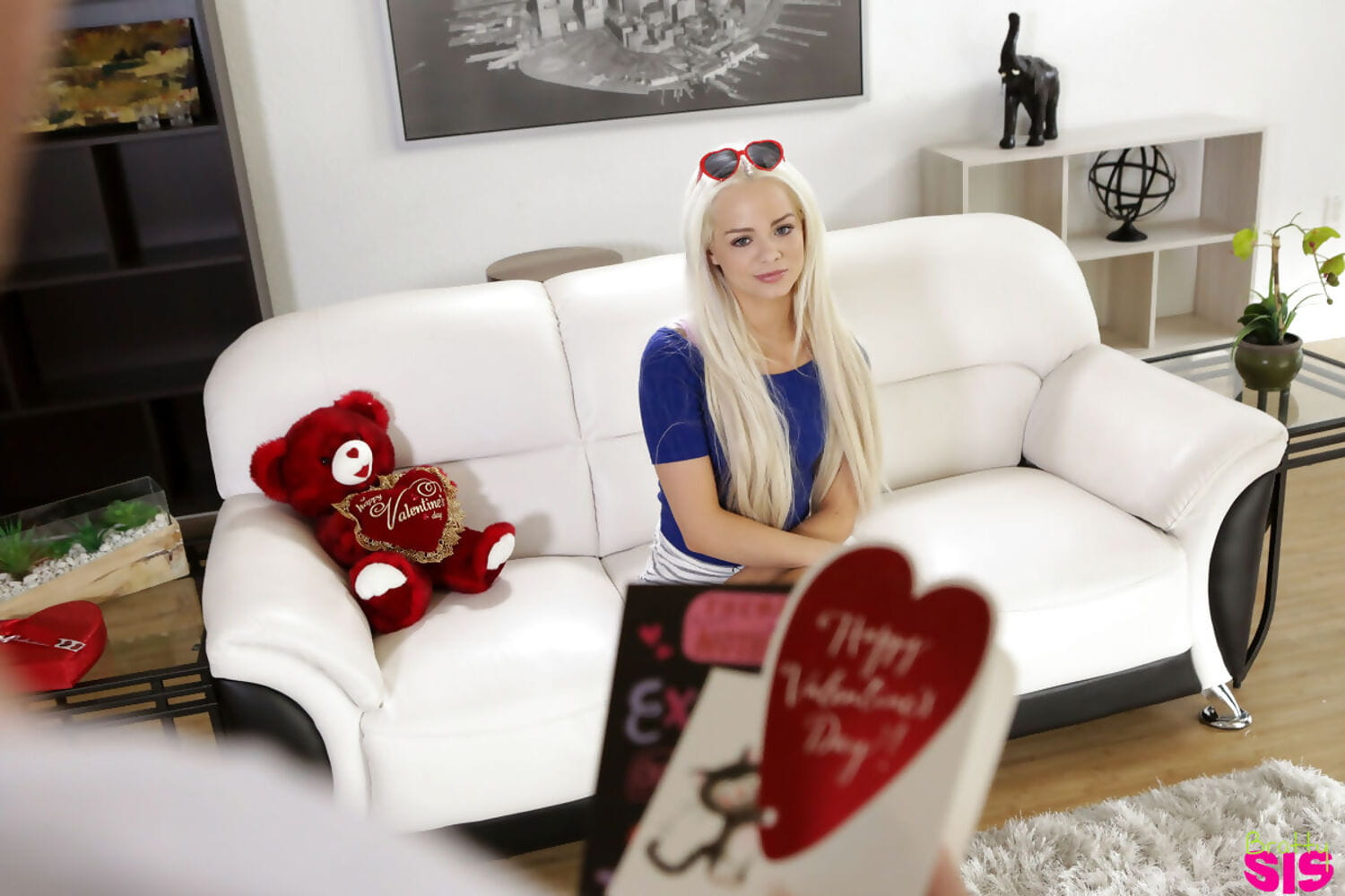 Compact fairy youthful Elsa Jean finds her stepbrothers ramrod in box of chocolates