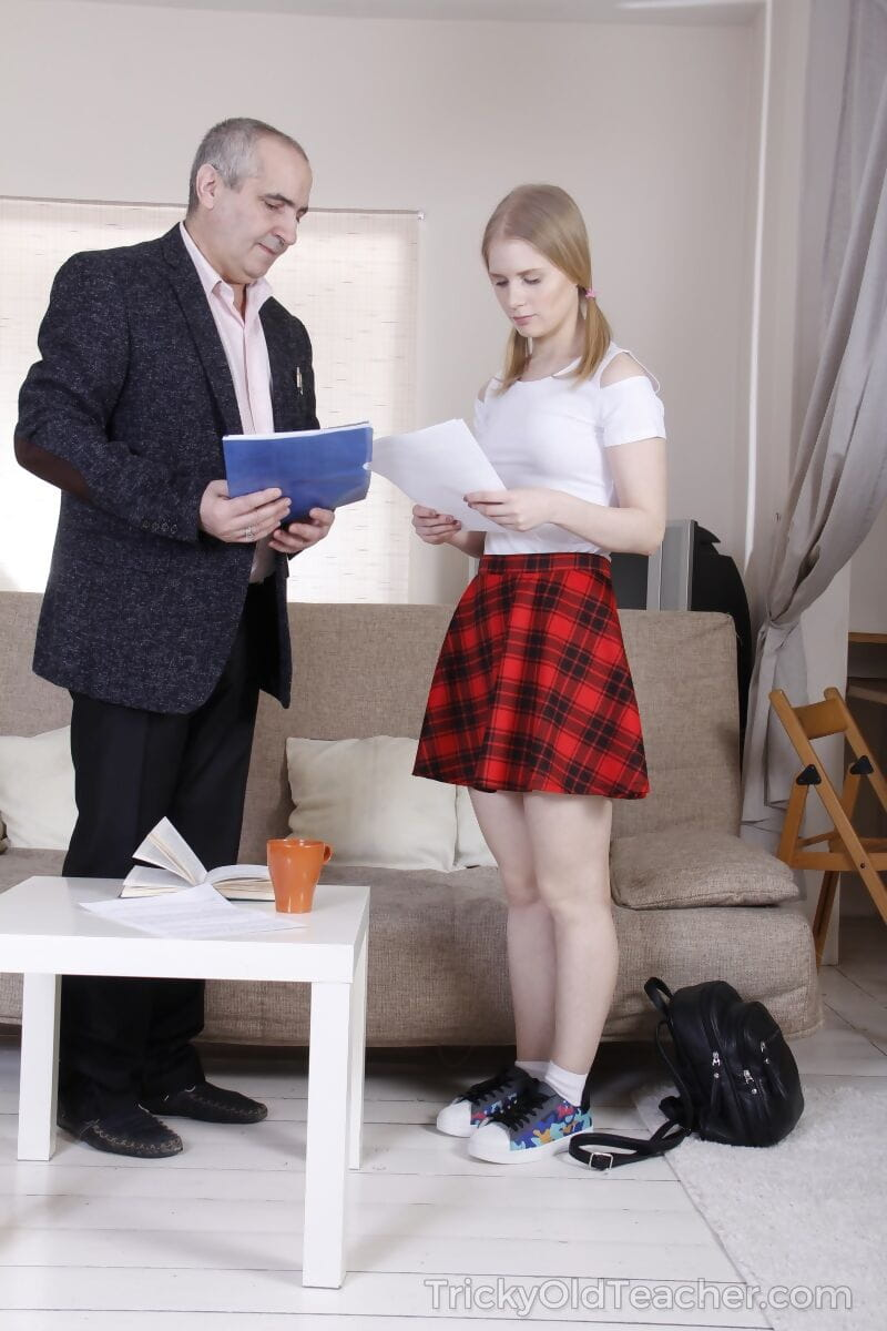 Blond coed Silena Moor attains bonked by her daddy for a more massive grade