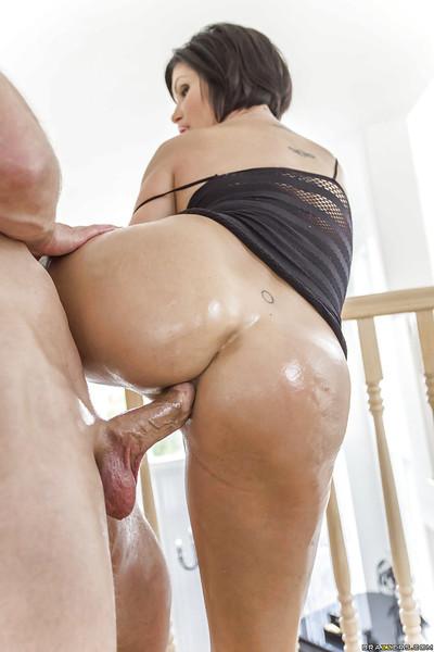 Latin hottie cougar Shay Fox has her biggest anus oiled up for anus smokin