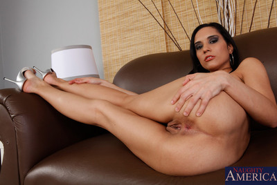 Clammy latina chicito queen knows how to blow vast knob and take a worthwhile smokin