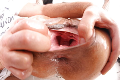 Slutty milf Klarisa Leone accepts wrapped by plastic bag and bonked