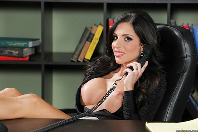 Big-tit dark brown Jaclyn Taylor is playing with her massive boobies