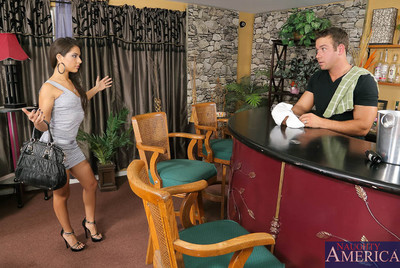 Jynx Maze is a married Latin chick anticipating her husband. The bartender is furthermore married and confesses this dude hasnt screwed in a pine for time, so Jynx throws him a bone and has him fuck her right on the bar. Nice thing no ones around.
