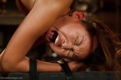 Oriental angel Alina Li feels insignificant love bubbles suffer painful clamping and widening