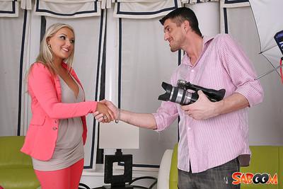 Rubenesque european blond obtains shagged and jizzed over her fatty abdomen