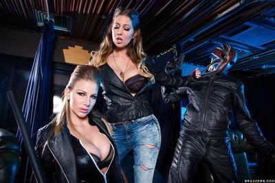 Buxom dykes Danielle Maye and Lexi Lowe rub enormous mambos both
