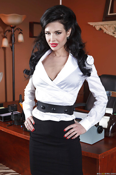 Fashionable secretary Veronica Avluv licks colossal mambos and plays with a snatch