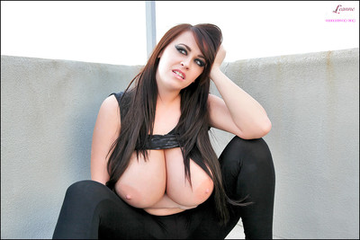 Biggest boob instance Leanne Crow letting giant knockers loose outdoors