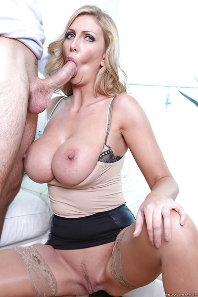 Horny MILF in stockings purchases shagged and takes a spunk fountain on her satisfying pointer sisters