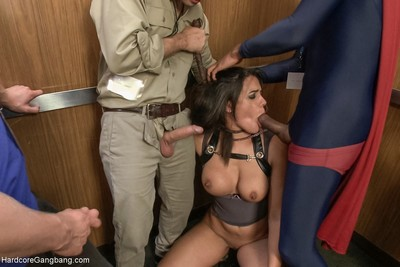 Komic kon cunt attains dicked down in elevator - large tits!