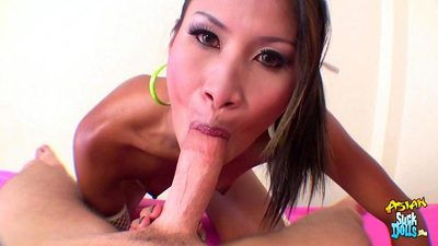 Dirty Thai prostitute Nid embarks on her gullet for a wide load