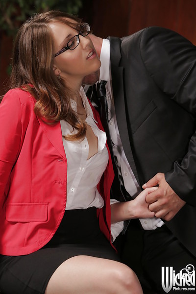 Office fuck with a hot pornstar in glasses Nickey Huntsman