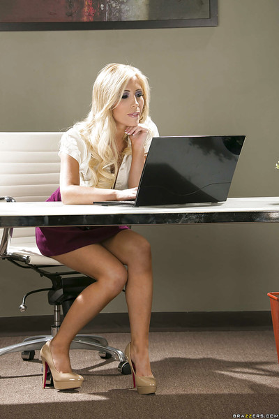 Sweaty secretary Tasha Reign lazily uncovering her jaw-dropping extreme distorts