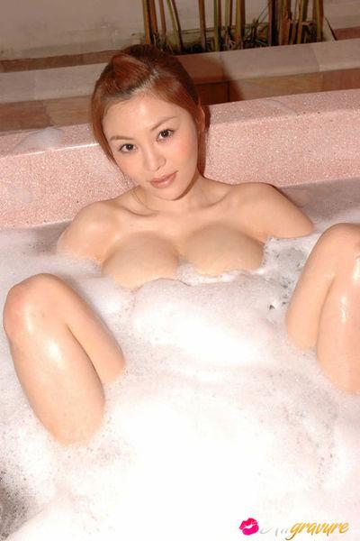 Yoko Matsugane Chinese shows moist behind lower than astonishingly short skirt