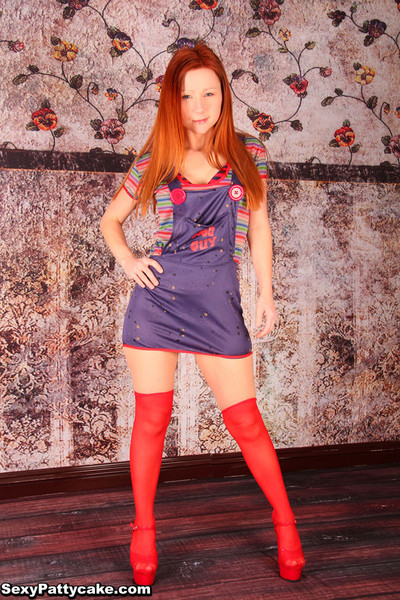 Undersize fairy-haired pretty hot pattycake posing in her red socks and heels