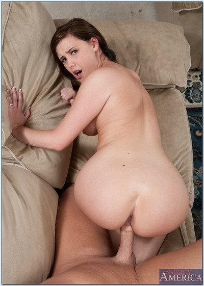 Spectacular habitat wife Brooke Lee Adams acquires her ready arse bonked