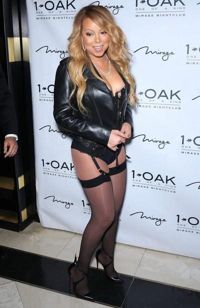 Mariah carey showing arse in swarthy underware and nylons