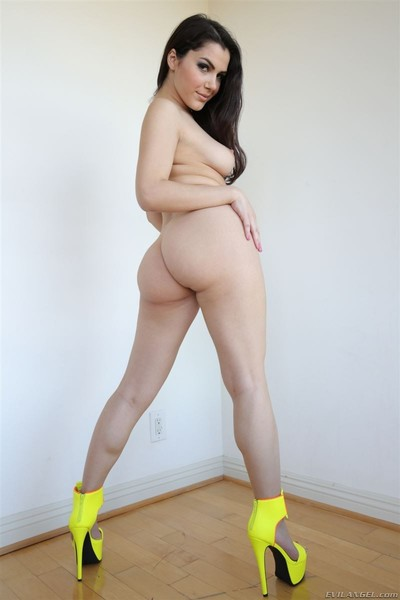 Valentina nappi owned in yellow heels